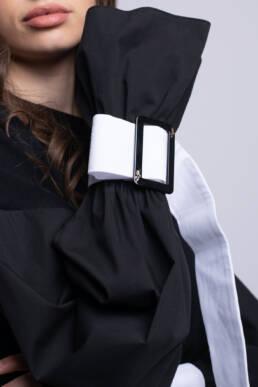 bluza cu accesorizare neagra bacio