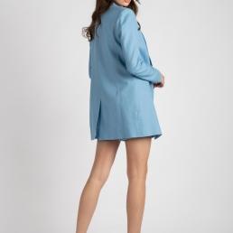 costum in albastru la donna